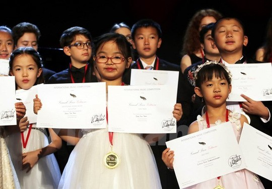 Vietnamese girl wins first prize at international piano contest in US - ảnh 1