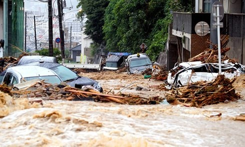 At least 100 people killed in Japan's flood - ảnh 1