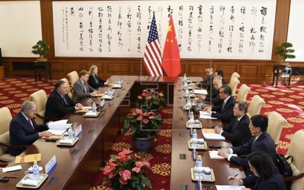 China, US reaffirm common goal of North Korean denuclearization - ảnh 1