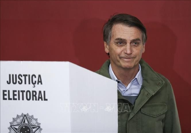 Far-right candidate elected Brazil's president - ảnh 1