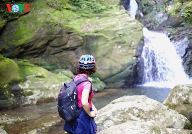The adventurous path through Ngu Ho to Do Quyen waterfall - ảnh 6