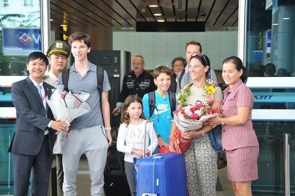 Da Nang welcomes Qatar Airways' first flight from Doha - ảnh 1