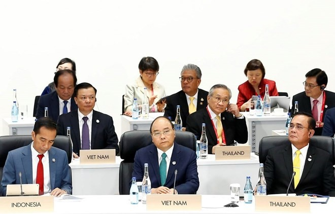Deputy FM: Vietnam contributes to addressing urgent global issues - ảnh 1