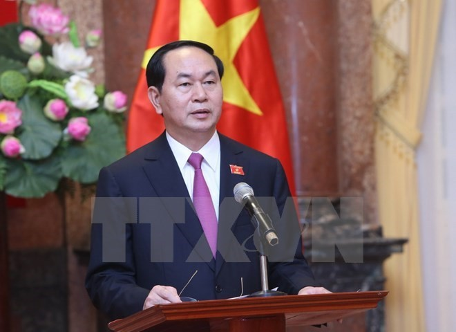 President Tran Dai Quang begins State visit to Brunei and visits the Vietnamese Embassy - ảnh 1
