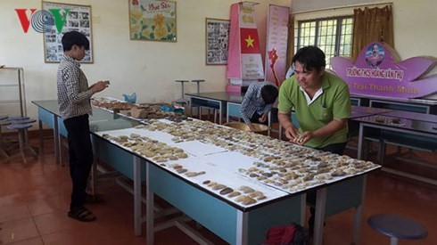 Teacher Le Van Hoang inspires students with passion for history - ảnh 1