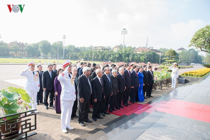President Ho Chi Minh's 128th birth anniversary commemorated - ảnh 1