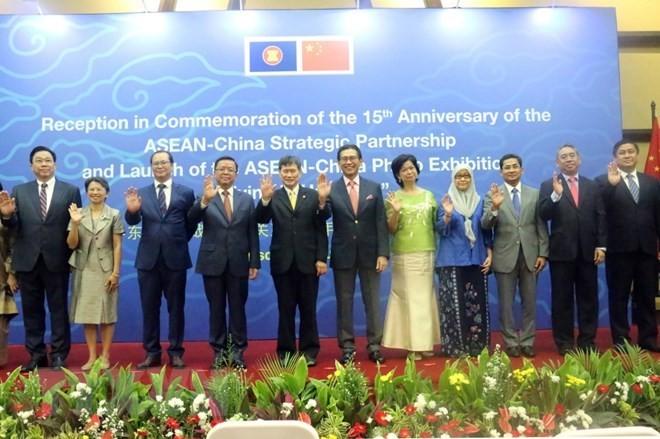 ASEAN, China mark 15th anniversary of strategic partnership - ảnh 1