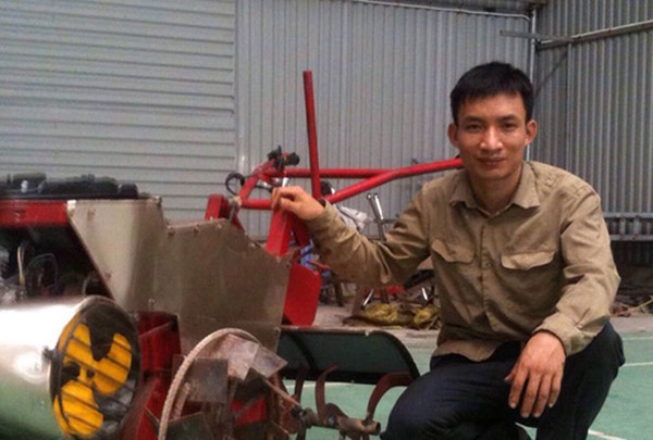 Hanoi farmer invents all-purpose farm machine - ảnh 1