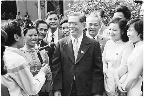 Party leader Nguyen Van Linh, initiator of Vietnam's renewal - ảnh 1
