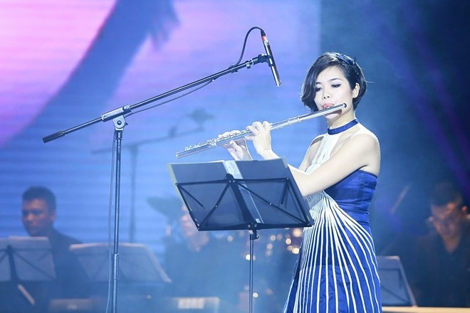 Talented flutist brings Vietnamese music to international concerts - ảnh 1