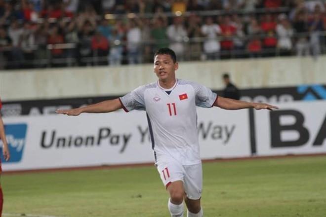 AFF Suzuki Cup: Vietnam defeats Laos 3-0 in opener - ảnh 1