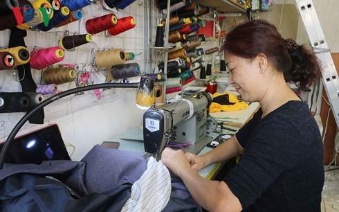 Vietnamese women in Czech Republic strive for stable lives - ảnh 2