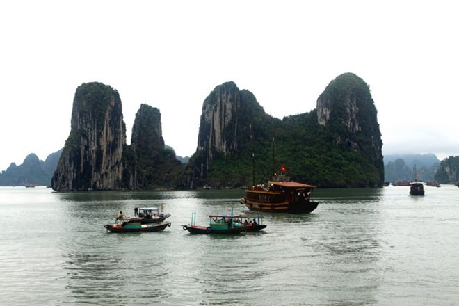 Quang Ninh welcomes first foreign visitors during Lunar New Year holiday - ảnh 1