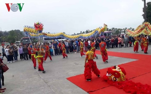 Quang Ninh welcomes first foreign visitors during Lunar New Year holiday - ảnh 2