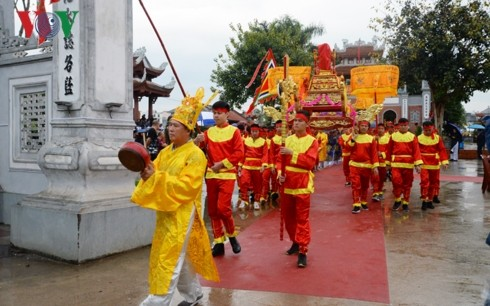 Xa Tac Temple Festival attracts thousands of visitors - ảnh 1
