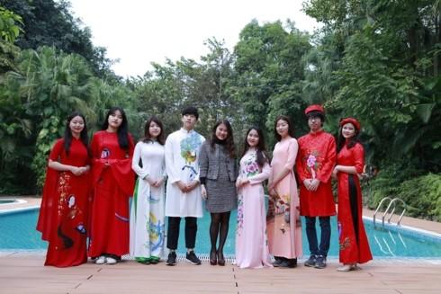 Ao dai – The traditional attire of Vietnam - ảnh 3