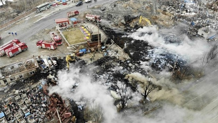 At least 44 killed in China's chemical plant explosion  - ảnh 1