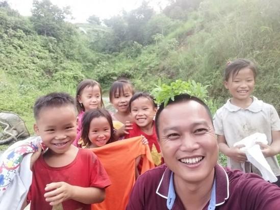 "Architect Pham Dinh Quy, an ""honorary teacher"" in mountain region - ảnh 1"