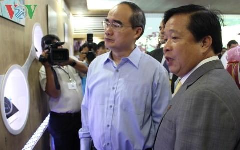 Đoàn giám sát của Ủy ban Trung ương MTTQ Việt Nam làm việc tại Khu công nghệ cao TPHCM - ảnh 1