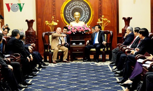 Bí thư Thành ủy Thành phố Hồ Chí Minh tiếp Cố vấn đặc biệt của Thủ tướng Nhật Bản - ảnh 1