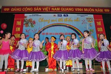 Việt Nam thực thi kế hoạch hành động quốc gia về trẻ em bị ảnh hưởng bởi HIV/AIDS - ảnh 1
