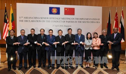 Trung Quốc đề xuất một tuyên bố cam kết với ASEAN về tranh chấp lãnh thổ  - ảnh 1
