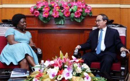 Chủ tịch Uỷ ban Trung ương MTTQ Việt Nam Nguyễn Thiện Nhân tiếp Phó Chủ tịch Ngân hàng thế giới - ảnh 1