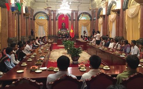 Phó Chủ Tịch nước Đặng Thị Ngọc Thịnh tiếp đoàn đại biểu người có uy tín tỉnh Kon Tum  - ảnh 1