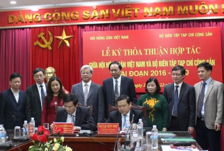 Hội Nông dân Việt Nam ký thỏa thuận hợp tác nghiên cứu khoa học với Tạp chí Cộng sản  - ảnh 1