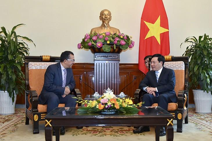 Phó Thủ tướng, Bộ trưởng Ngoại giao Phạm Bình Minh tiếp Đại sứ Vương quốc Maroc - ảnh 1