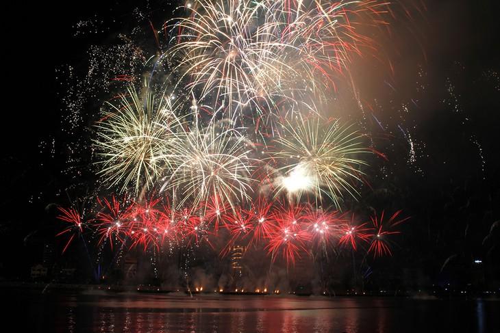 Anh, Austraylia và Italy vào chung kết Lễ hội pháo hoa Quốc tế Đà Nẵng 2017 - ảnh 1