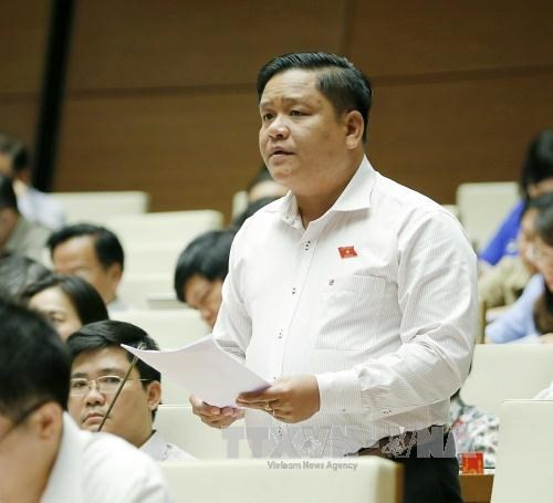 Quốc hội bàn về công tác nhân sự và xây dựng luật - ảnh 1