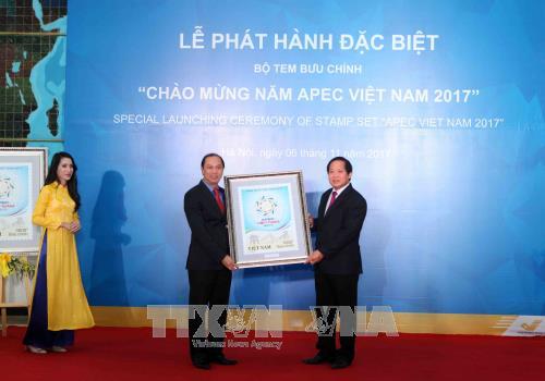 """Phát hành đặc biệt bộ tem """"Chào mừng Năm APEC Việt Nam 2017""""  - ảnh 1"""