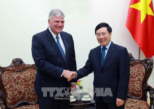Phó Thủ tướng, Bộ trưởng Ngoại giao Phạm Bình Minh tiếp Chủ tịch Tổ chức nhân đạo Quốc tế, Hoa Kỳ  - ảnh 1