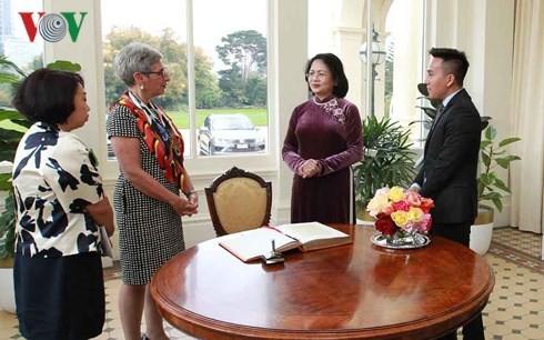 Phó Chủ tịch nước Đặng Thị Ngọc Thịnh gặp song phương lãnh đạo bang Victoria (Australia) - ảnh 1