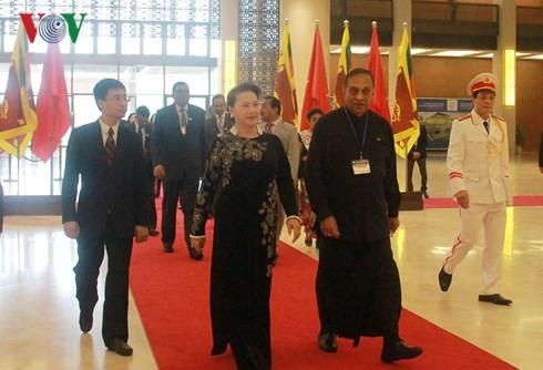 Chủ tịch Quốc hội Nguyễn Thị Kim Ngân hội đàm với Chủ tịch Quốc hội Sri Lanka - ảnh 1