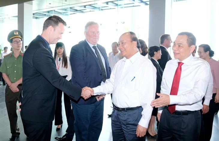 Thủ tướng Nguyễn Xuân Phúc thăm và làm việc tại Tổ hợp nhà máy sản xuất ô tô, xe máy điện VinFast - ảnh 1