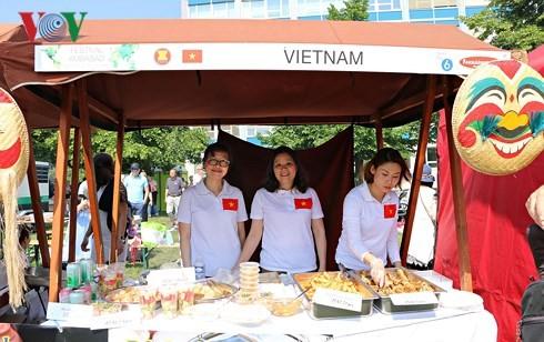 Việt Nam quảng bá ẩm thực tại Festival các cơ quan đại diện tại Cộng hòa Czech - ảnh 1