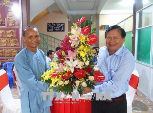 Vĩnh Long: Chúc mừng 79 năm Ngày khai sáng đạo Phật giáo Hòa Hảo  - ảnh 1