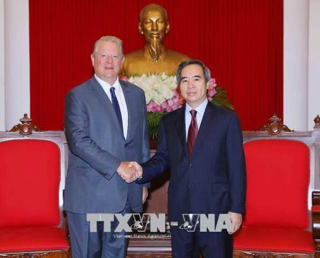 Trưởng ban Kinh tế Trung ương Nguyễn Văn Bình tiếp cựu Phó Tổng Thống Hoa Kỳ Al Gore  - ảnh 1