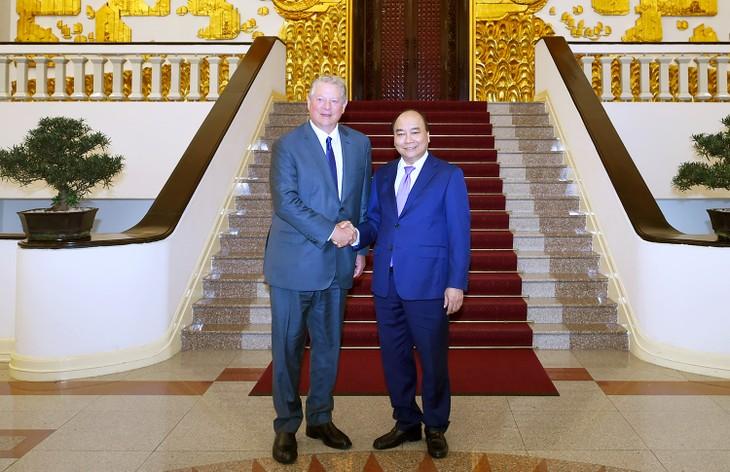 Thủ tướng Nguyễn Xuân Phúc tiếp cựu Phó Tổng thống Hoa Kỳ Al Gore - ảnh 1