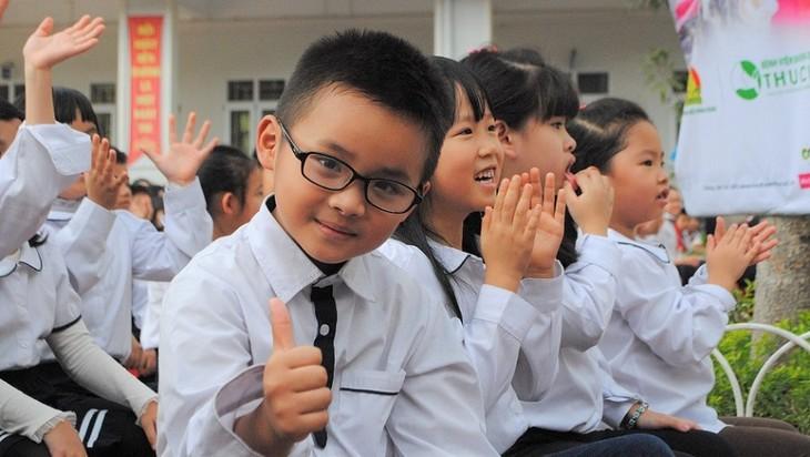 Trả lời thính giả về hệ thống giáo dục ở Việt Nam, văn hóa Việt qua các lễ hội - ảnh 1