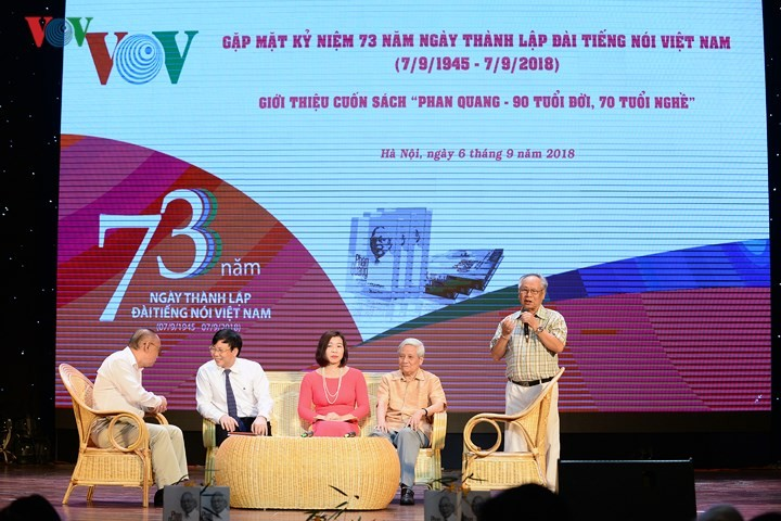 """Gặp mặt kỷ niệm 73 năm thành lập Đài TNVN và giới thiệu cuốn sách """"Phan Quang – 90 tuổi đời, 70 tuổi nghề"""" - ảnh 3"""
