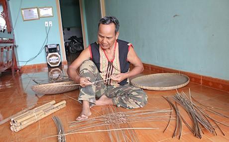 Quyền uy già làng người Ba na, Tây Nguyên - ảnh 1