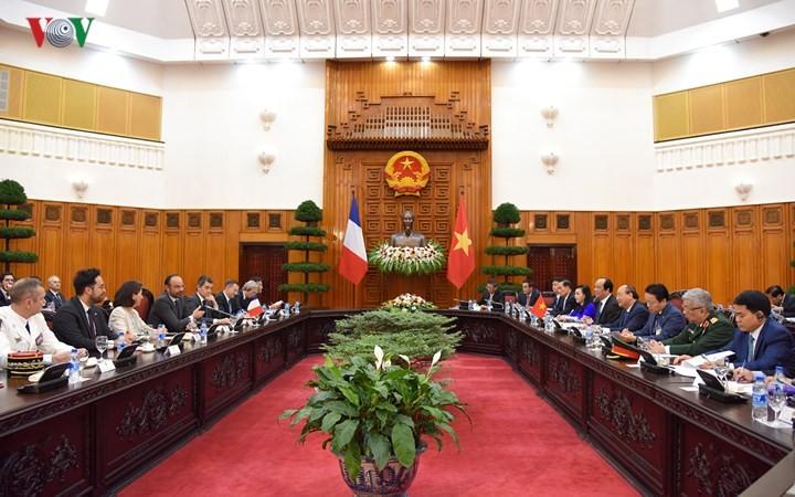 Thủ tướng Nguyễn Xuân Phúc hội đàm với Thủ tướng Cộng hòa Pháp Édouard Philippe - ảnh 1