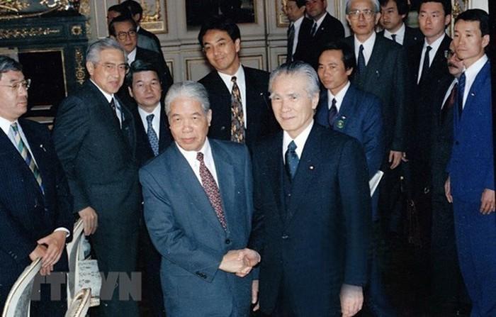 Nhật Bản truy tặng Huân chương Mặt trời mọc cho Cố Tổng Bí thư Đỗ Mười - ảnh 1