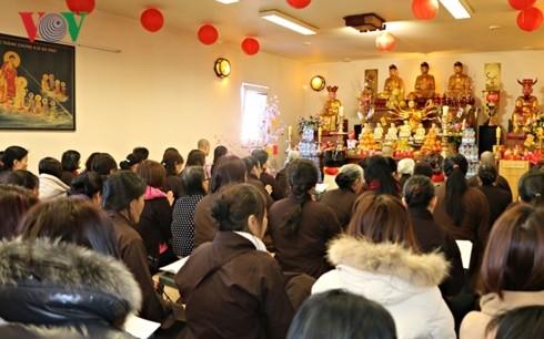 Gìn giữ phong tục đi lễ chùa đầu năm của người Việt tại CH Séc - ảnh 2