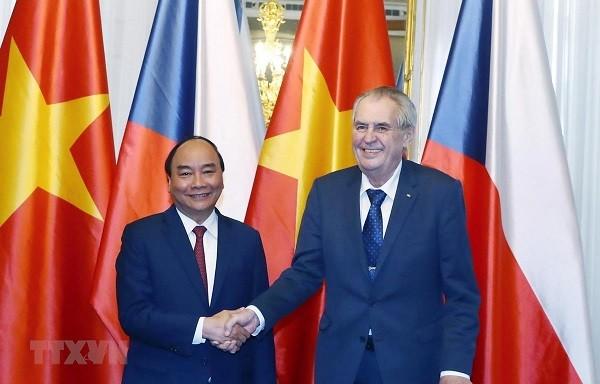 Chuyến thăm của Thủ tướng Nguyễn Xuân Phúc mở hướng mới trong phát triển hợp tác Việt Nam - CH Czech - ảnh 1