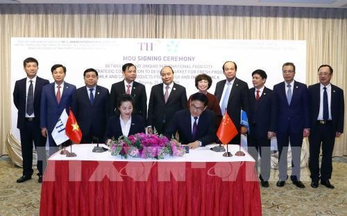 Thủ tướng Nguyễn Xuân Phúc gặp gỡ các doanh nghiệp hàng đầu Trung Quốc - ảnh 2