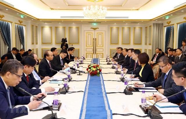 Thủ tướng Nguyễn Xuân Phúc gặp gỡ các doanh nghiệp hàng đầu Trung Quốc - ảnh 1